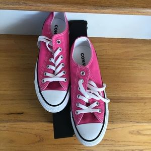 Worn once pink converse